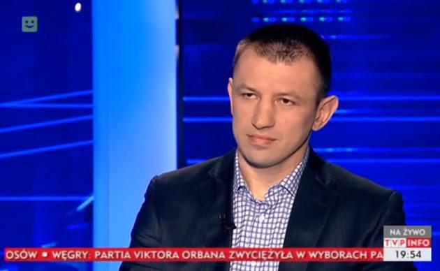 Tomasz Adamek - racja, że w wielu aspektach nie dorównuje polskim politykom