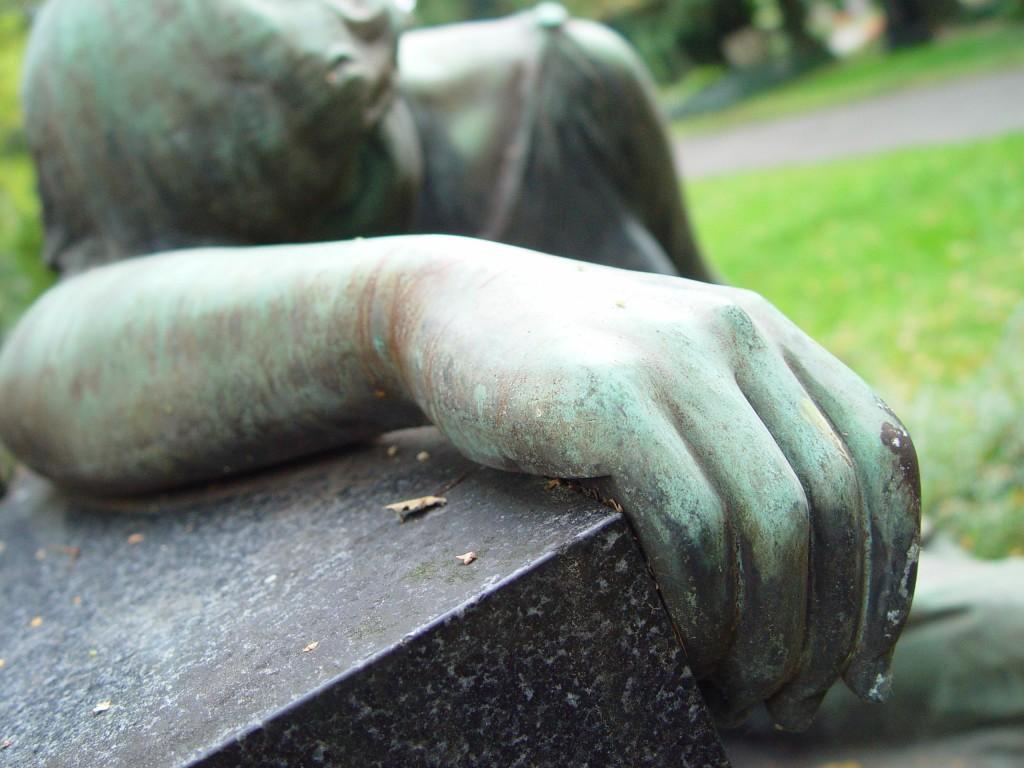 Czyjego życia żal nam bardziej? (fot. pipp sxc.hu)