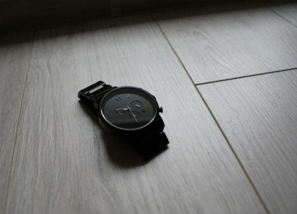 Zegarek męski MVMT Chrono Black Leather - idealny na prezent, no może prawie idealny